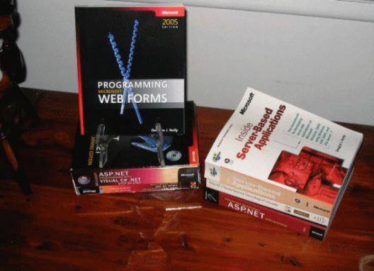 Hình 1: Những cuốn sách do tôi viết.